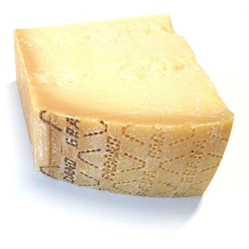Grana Padano Italienischer Hartkäse 0,5 kg original frisch vom Stück